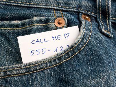 3 τρόποι για να πάρεις το τηλέφωνό της χωρίς πραγματικά να το ζητήσεις